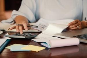 calcular salário de dias trabalhados com 28, 30 e 31 dias